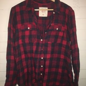 Red & navy classic plaid flannel